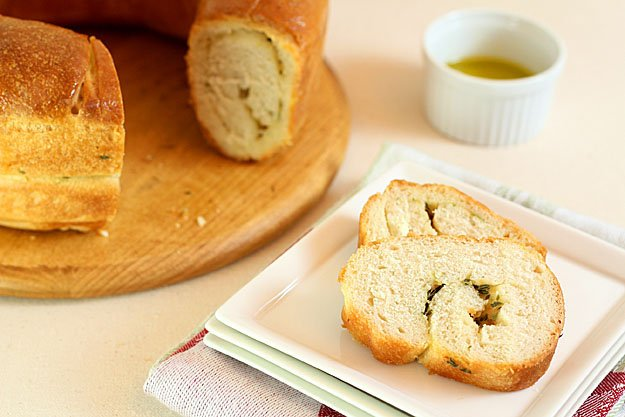 Garlic and Thyme Bread