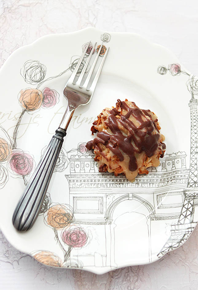 German Chocolate Macarons from Creative-Culinary.com
