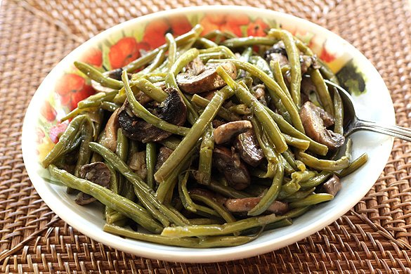 The Best Green Bean, Onion and Mushroom Dish