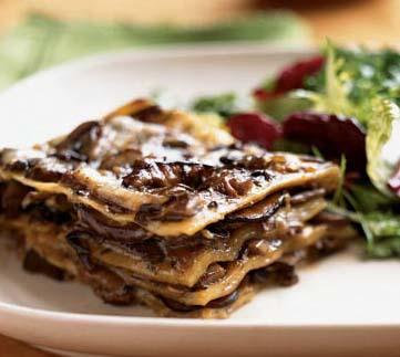 Lasagna with Bechemel Sauce, Mushrooms, and Tomatoes