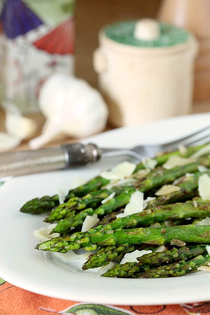 Grilled Asparagus with Garlic and Parmesan on a Serving Dish