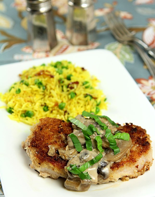 Pork Chops with Mushroom Cream Sauce | @CreativCulinary