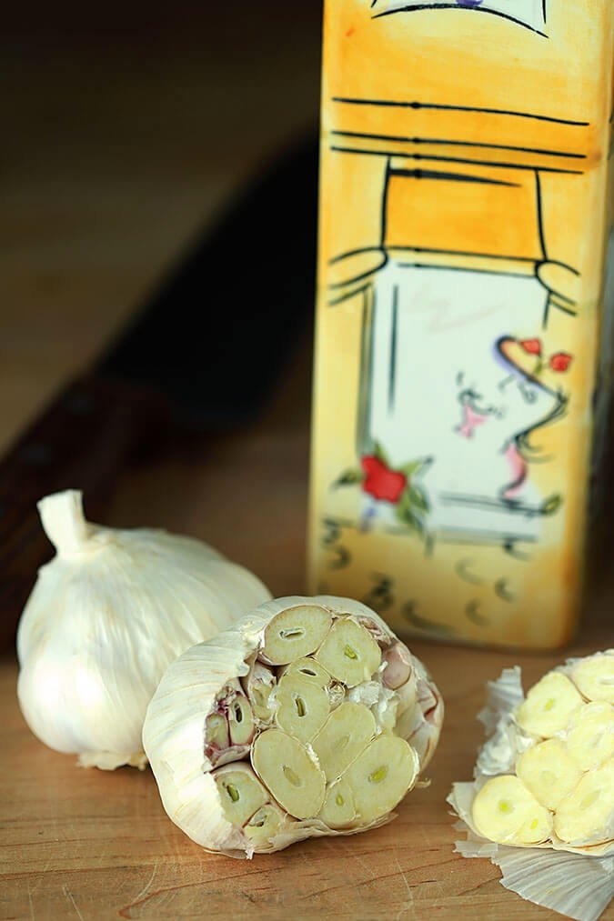 Raw garlic heads ready to be made into perfectly roasted garlic in the Instant Pot.