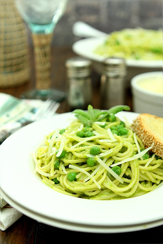 Spaghetti with Pea and Pine Nut Pesto