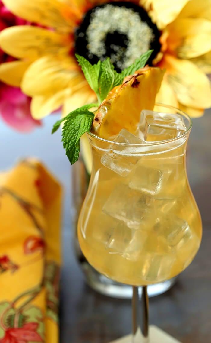 Tahiti Vanilla Sky Vodka Cocktail | Creative Culinary